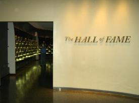 Pro_Football_hall_of_Fame_inductee_display